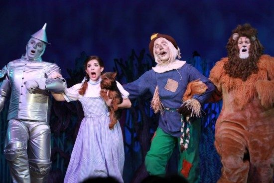 The Wizard of Oz at Dutch Apple Dinner Theatre