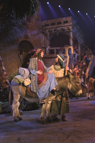 Theater Review Miracle Of Christmas At Sight And Sound
