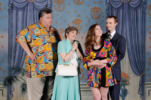 Chip Meister as Walter Hollander, Regina Rose as Marion Hollander, Morgan Wenerick as Susan and Will Poxon as Axel Magee.