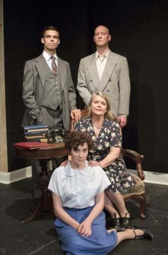 Theatre Review: 'The Glass Menagerie' at Vagabond Players