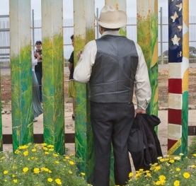 Opera News: When the Wall Becomes a Bridge: La Paloma at the Wall reaches across the border and across DC to forge community through opera