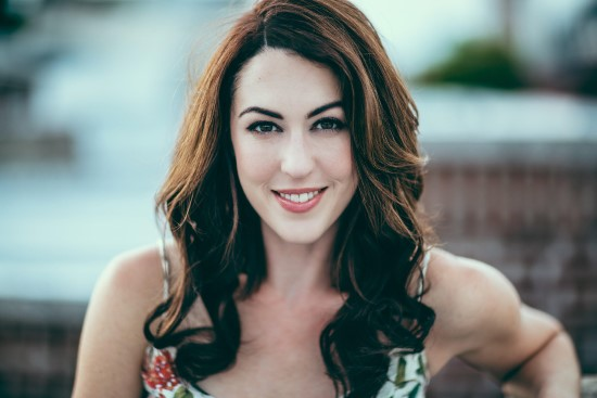 "'A Quick 5' with Kelley Curran Appearing as Clytemnestra in ""The Oresteia"" at Shakespeare Theatre Company"