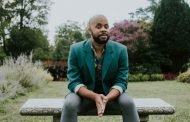 'A Quick 5' with R. Eric Thomas, Playwright of 'Time Is On Our Side' presented by Perisphere Theatre